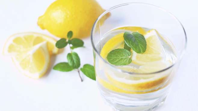8 sufficient uses of lemon in your morning routine.